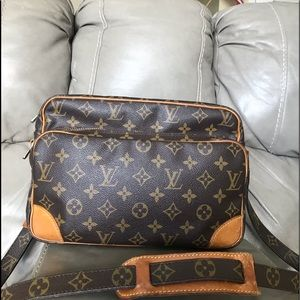 🖤Louis Vuitton Shoulder Bag 🖤🖤🖤🖤🖤🖤🖤🖤🦋🖤